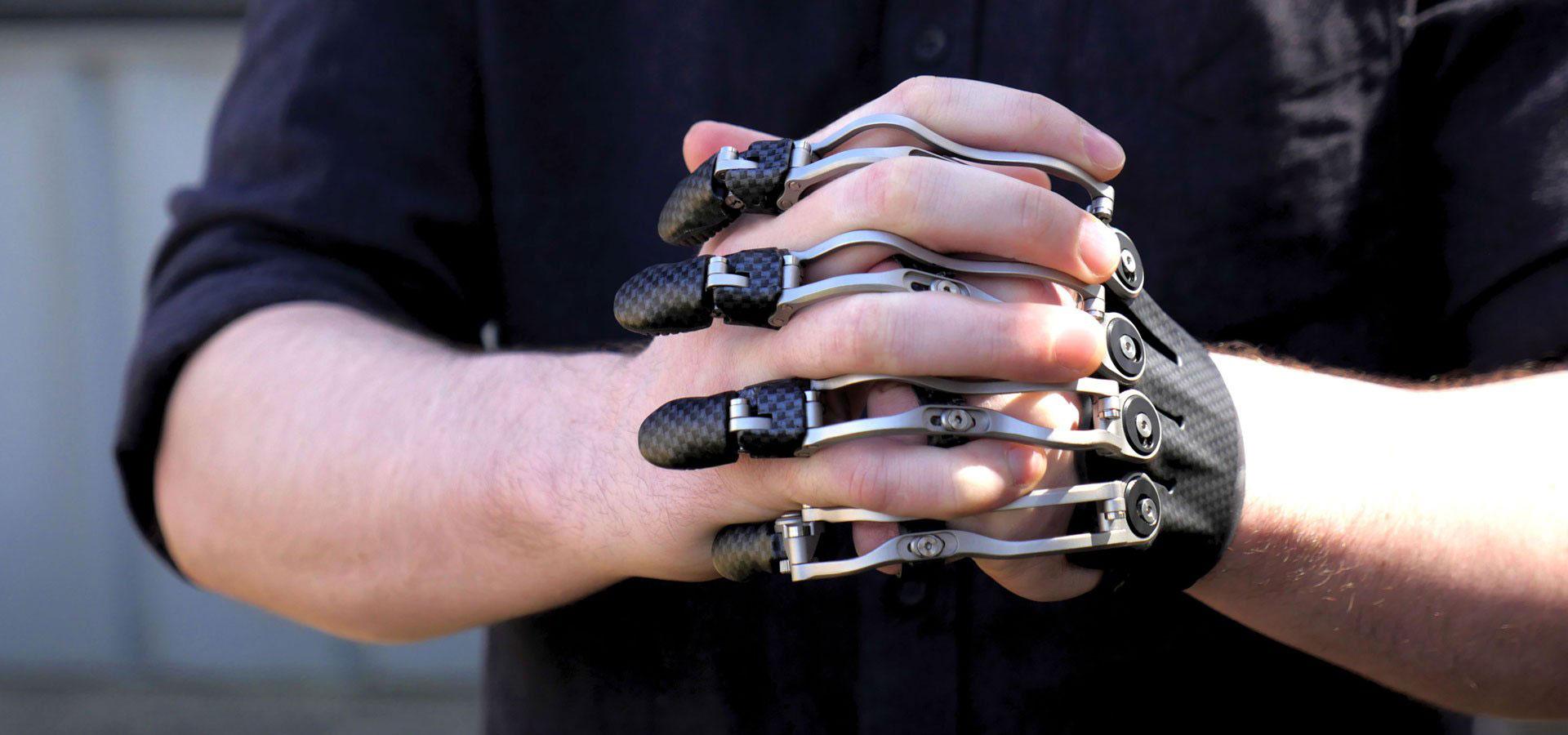 Protezy, które naśladują naturalny ruch palców